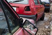 Helsingin kaduilta noukittu kymmeniä autonromuja