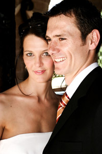 Hochzeitsspiele sollen zum einen das Brautpaar vor ein paar knifflige und und spaßige Aufgaben stellen und zum anderen die Hochzeitsgäste miteinander in Kontakt bringen, so dass man gemeinsam lachen und aktiv sein kann. – © Francois du Plessis - Fotolia.com