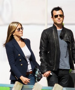 1344815558 jen justin g 249x300 Breaking News: Jennifer Aniston And Justin Theroux Engaged!