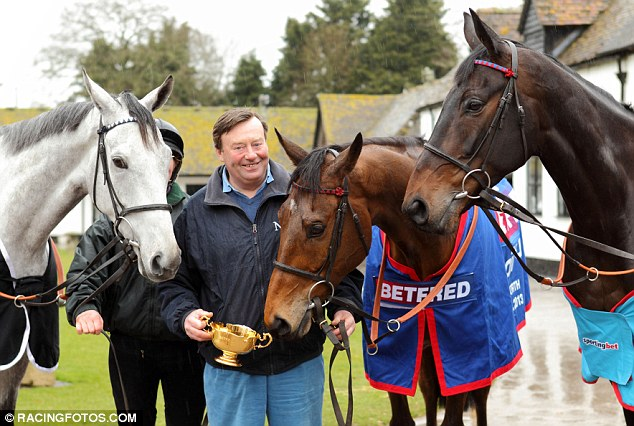 Terrific trio: Simonsig, Bobs Worth and Sprinter Sacre at Seven Barrows with Nicky Henderson