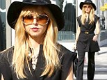 If it¿s not broke, don¿t fix it! Rachel Zoe steps out in her signature style