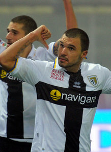 Bojinov strike sinks Samp