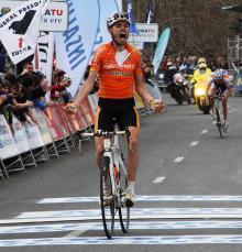 Samuel Sanchez (Euskaltel-Euskadi) wins the stage.