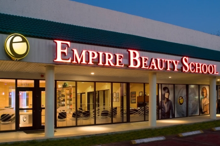 Top US Colleges For Movie Makeup Artists