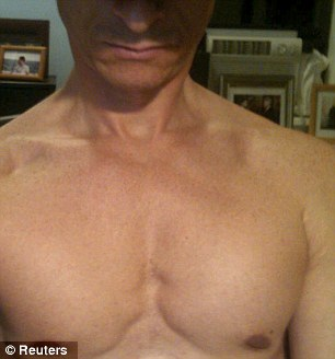 A photo from the website Biggovernment.com shows a shirtless U.S. Representative Anthony Weiner which was allegedly emailed to a young woman