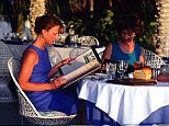 Eating out: Save money while on holiday with a currency card
