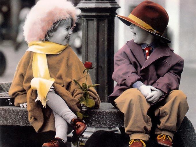 عکس هایی دیدنی از کوچولو های عاشق و رمانتیک