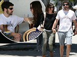 Jason Biggs with his wife go out for lunch