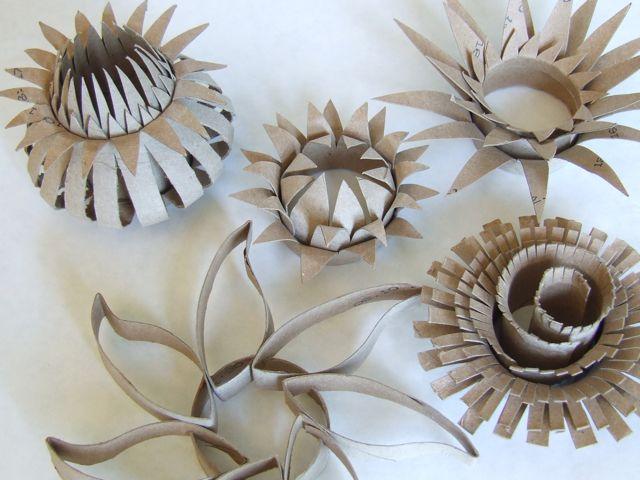 Как сделать красивый цветок из бросового материала