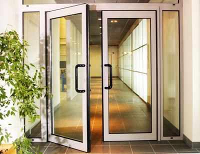 vkhodnye alyuminievye dveri1 Выбираем входные алюминиевые двери
