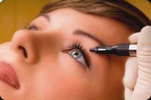makijazh 300x199 - Как сделать перманентный макияж глаз?