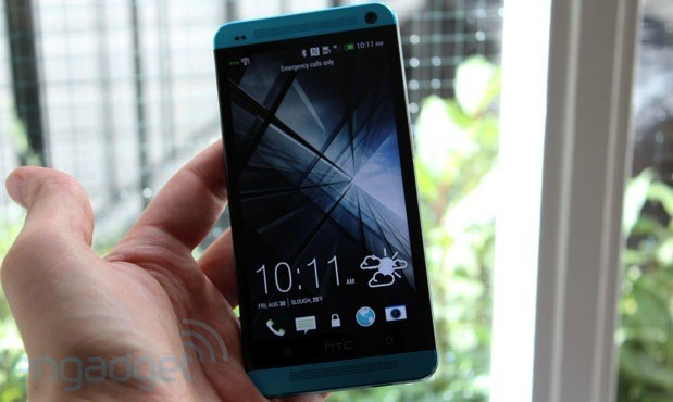 HTC One and One Mini vivid blue handson