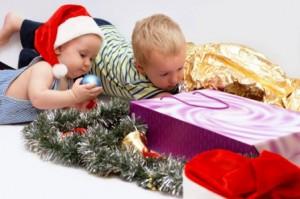 89078098 300x199 - Что подарить ребенку на Новый Год?