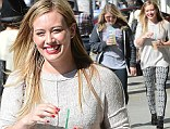 Hilary Duff Leaves Starbucks in Beverly Hills With a Friend