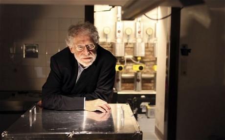 Proffesor Anton Zeilinger .