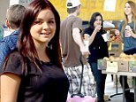 The weekly farmers market has become a firm fixture in Ariel Winter's calendar. The Modern family actress was spotted hanging out with her family and friends