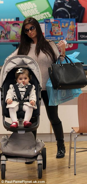 Retail therapy: Chantelle takes Dolly for a spot of shopping