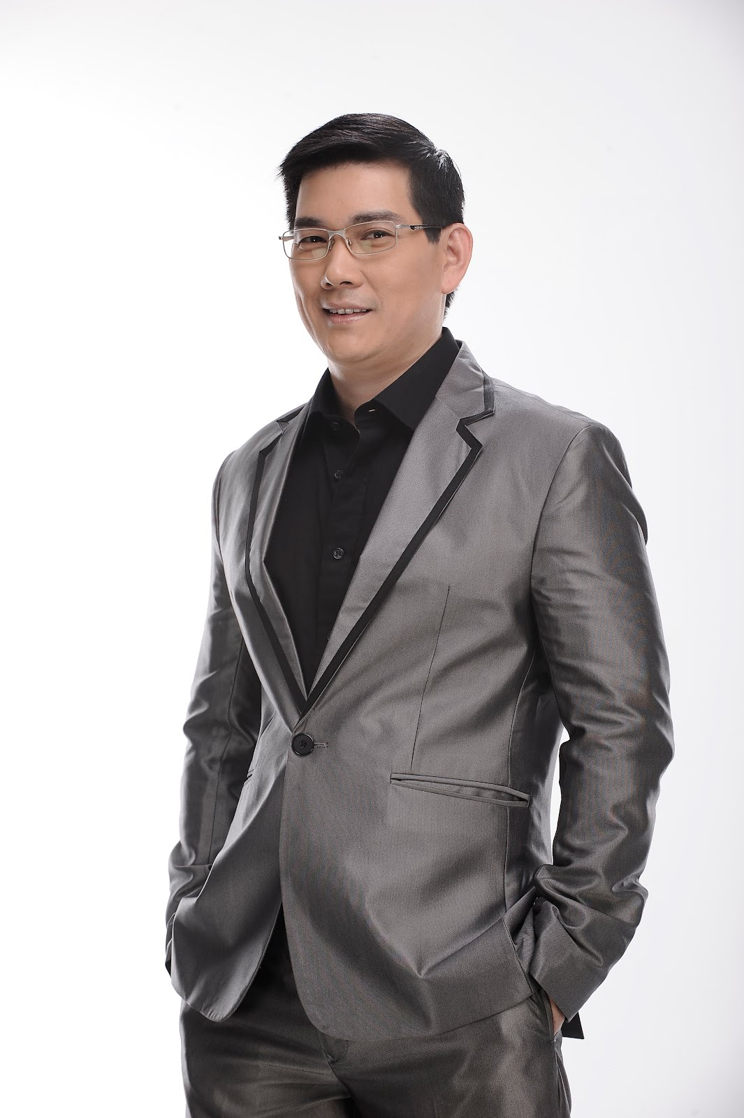 Richard Yap wins Best Drama Actor award