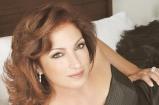 Gloria Estefan 'Fought Hard' for Shakira: 'Oprah's Next Chapter' Clip