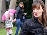 Jennifer Garner and Seraphina brave the rain