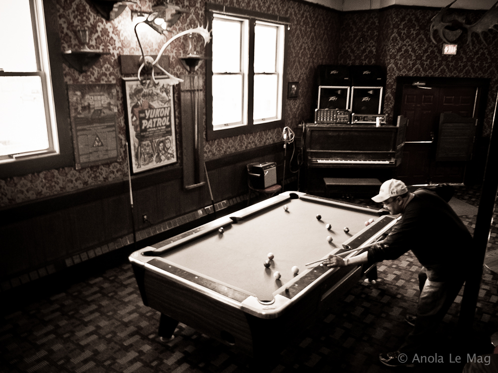 yukon_dawson_city_downtown_hotel_billard