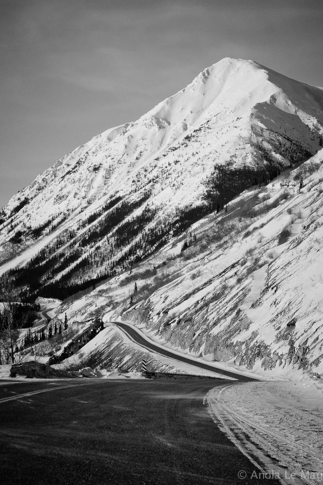 alaska-yukon-roadroad_sinueuse_montagne