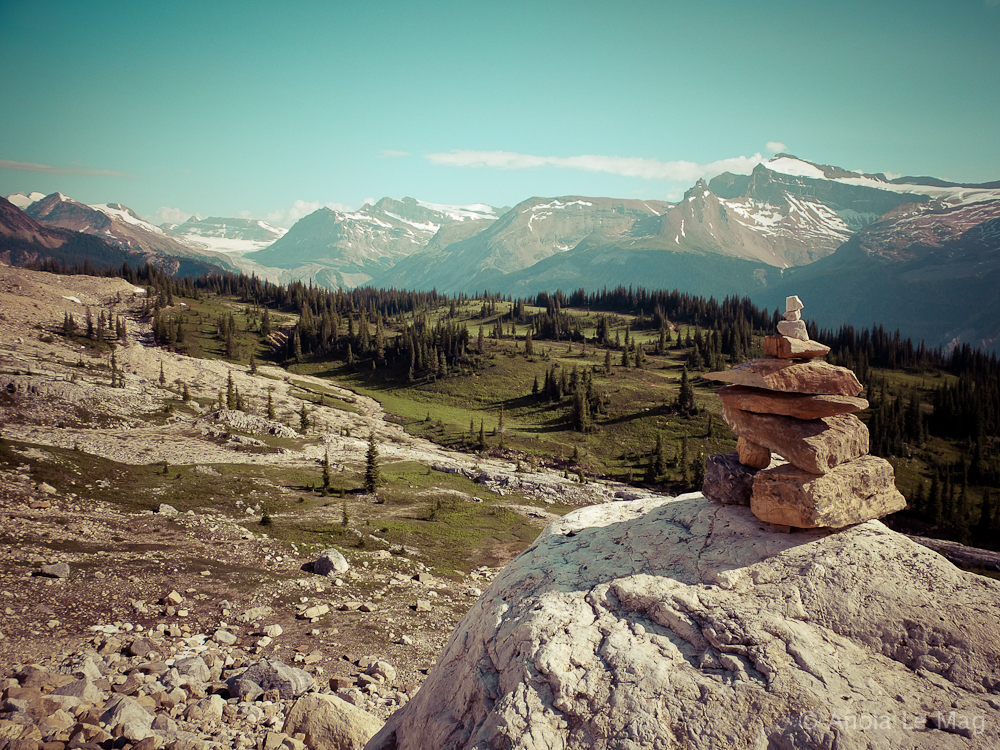 iceline-trail-parc-national-de-yoho_cairn_vallee