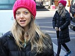 So that's her secret to perfect skin: Bare-faced Amanda Seyfried and boyfriend Justin Long are spotted buying a juicer