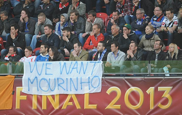 Come back: Chelsea fans have made their feelings about Mourinho clear