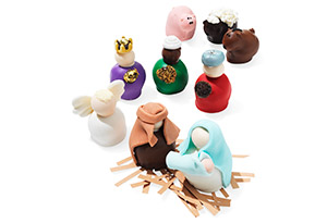 The Cordial Cherry Nativity chocolate set