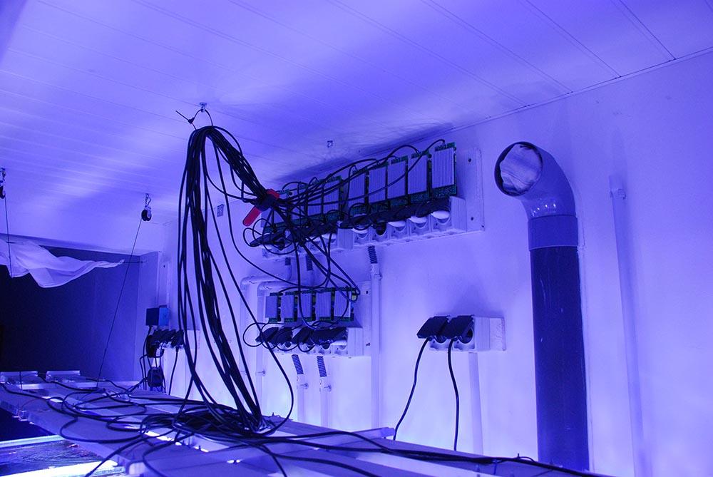 Alimentations pour les LEDS plus le cablage et la ventilation