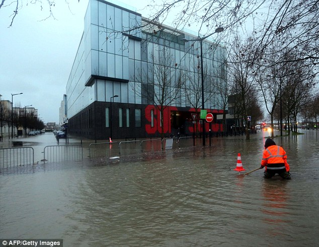 High seas are set to cause widespread flooding and disruption along France's Atlantic coast