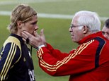 Guidance: Fernando Torres says that Luis Aragones was like a teacher who helped him develop as a footballer.