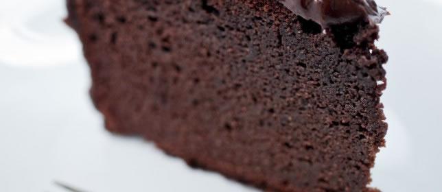 Naked Chocolate Cake Graded White-2736