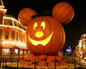 halloween travel destinations family