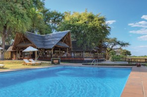 Luxury Safari at Eagle Island Camp
