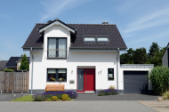 Cute one-family house with garage