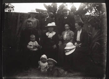 Sitting from l. to r.: Mr & Mrs Ziegler, Mrs Maisch, Mrs Zwissler. Standing from l. to r.: Mrs Sautter, G. Dietrich, W. Maisch. Picture taken in the garden in Hoyen on the journey from Hong Kong to the inland, early December 1907.