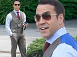 The Gold standard! Jeremy Piven is looking quite dapper back in his role as Hollywood agent Ari as he and the rest of the cast film the Entourage movie