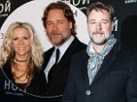 Russell Crowe has taken time out of promoting Noah to admire the women in Moscow