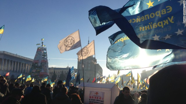 KIEV, UKRAINE: Pro-Europe protesters pour into Independence square on December 14. Opposition supporters have been camping since Nov. 21 in Independence Square - in protest against President Yanukovich's last minute refusal to sign an agreement bringing Ukraine closer to the European Union, in favor of Russia. Photo by CNN's Diana Magnay.