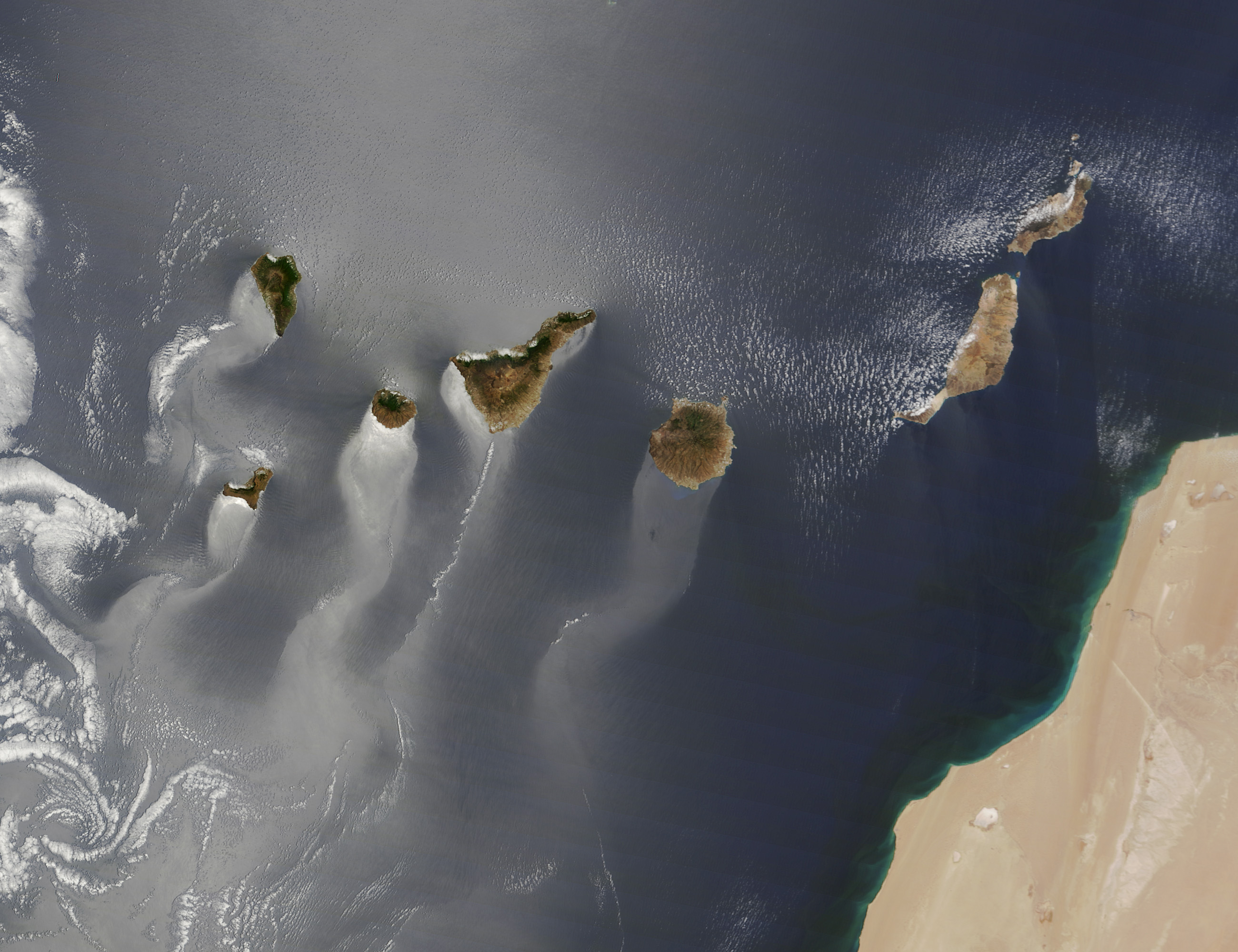 canaryislands tmo 2013166 lrg NASA earth photo of the year
