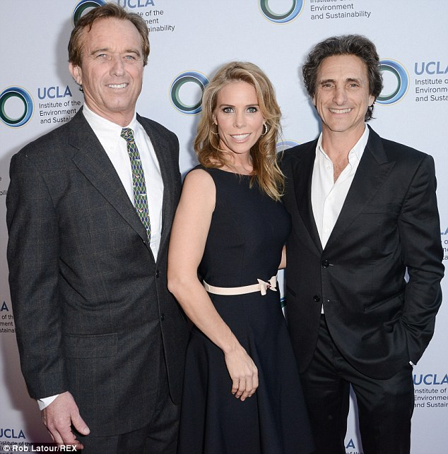 Hines sandwich: Cheryl looked cosy in between Robert and Lawrence Bender