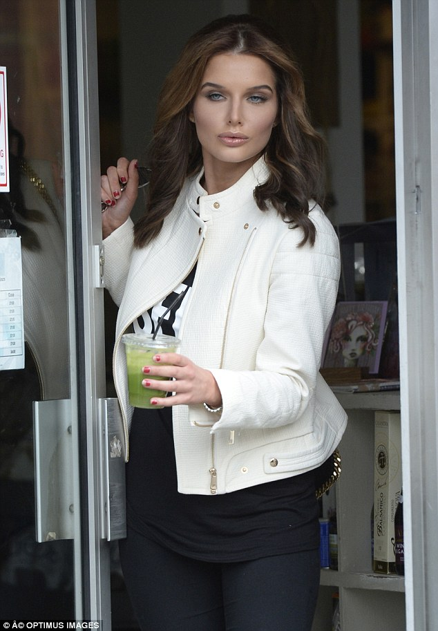 High definition: The 23-year-old actress reverted to the heavily contoured look she's been favouring over recent months