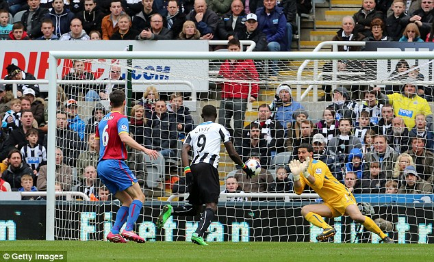 Heroics: Speroni had early saved three quality chances from eventual goal scorer Cisse