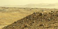 Curiosity Stops to Thwack Its Instruments, Take Amazing Panoramas