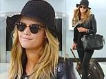 Nina Agdal at NY airport