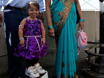 World's shortest woman visits New York City
