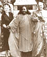 Yogananda with the Knights