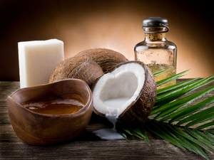 natural benefits of coconut oil uses